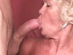Sexy mature blonde blowjob video